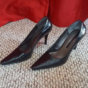 Enzo Angiolini black leather crocodile print pumps